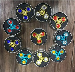 spinning diamond 2019 - Metal Diamond Fidget Tri Spinner Rainbow Colorful Hand Spinners Triangle Fingertip Handspinner Decompression Fingers Tip