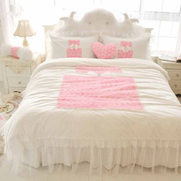 pink ruffle full bedding set UK - Korean Princess Bedding Sets White 4pcs Ruffles Bedspread Lace Rose Flower Duvet Cover Queen King Bed Skirt Bedclothes Cotton Home Textile