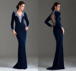Blue Stone Art Canada - 2017 New Navy Blue V Neck Beaded Velvet Applique Mermaid Evening Dresses Long Sleeves Stones Backless Sweep Train Party Prom Dresses