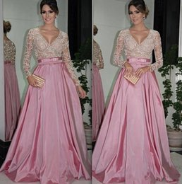 Robe Manches Longues Rose Formel Pas Cher-Long Sleeve A-Line Robes de soirée rose V-Neck Taffeta Beading Sequined Bow Sashes Sweep Train Formal Prom Gowns
