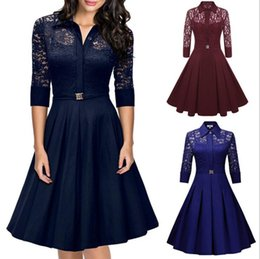 Robes Élégantes Pas Cher-Vente chaude Femmes Lace Hollow out V-neck Brand Fashion Dress Elegant Vintage Spring Lovely Style Back Zipper Pullover Casual Work Party Dresses
