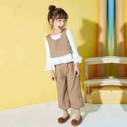 Pantalones Anchos Volantes Baratos-Everweekend Girls White Ruffles Tees con chaqueta y pantalones de pierna ancha 3pcs Sets Cute Baby Green y Khaki Color Autumn Outfit