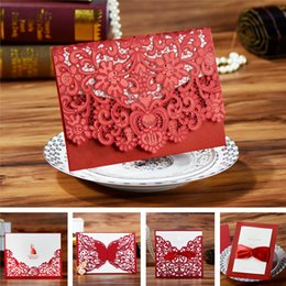 Barato Corte A Laser Convites Porcelana-Atacado- (Samples / 2pcs) Red Vintage Lace Butterfly Luxury Laser Cut Casamento Convites Com Envelope 2016 China Rustic Elegant Designs