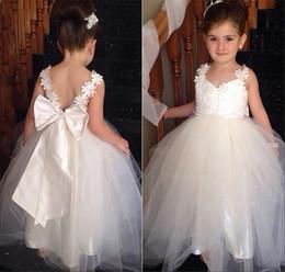 $enCountryForm.capitalKeyWord Canada - Lovely Flower Girl Dresses for Wedding Tulle Little Girls Kids Child Dress Pretty V Neck Backless Party Pageant Communion Dress