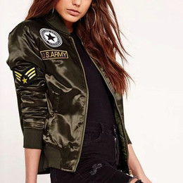 Vente De Vestes En Mousseline De Soie Pas Cher-2017 Hot Sale Autumn Winter Ladies Flight Bomber Jackets Femmes Casual Short Thick Coat Ourterwear Army Green Brodé Patch