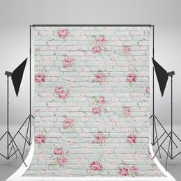 Scenic wallpaper online shopping - 5x7ft x210cm White Brick Wall Photography Backdrops Wallpaper Pink Flowers Backgrounds for Baby Photography Props