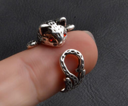 american female models 2019 - 2017 hot sales Retro Red eyes Lucky Cat Retro Thai silver Opening Ring fashion Female models Kitty ring jewelry cheap am