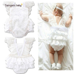 Combinaison Blanche Blanche Pas Cher-Ins vêtements pour bébés Gris à fleurs en dentelle blanche pour bébés Tiered Girl Rompers Combinaison pour bébés Toddler One Piece Clothing Baby Onesies A611