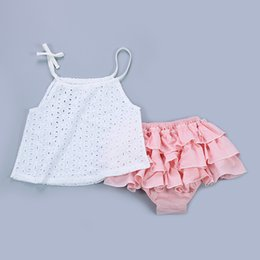 Lingerie En Coton En Dentelle Sans Manches Pas Cher-2017 Summer INS Baby Girls Tops Coton Lace Hollow White Tank Tops Tees Chemise sans manches Enfant Nouveau-né Vêtements pour bébé Vêtements pour enfants 574