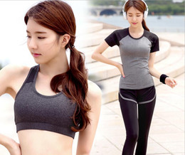 $enCountryForm.capitalKeyWord Canada - Bra summer suit sports suit women show thin speed dry running yoga clothes short sleeve fake two pants three sets