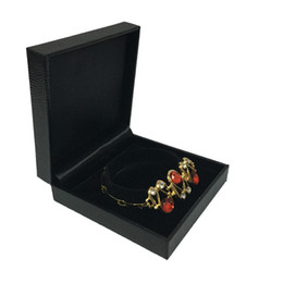 $enCountryForm.capitalKeyWord Canada - Jewelry Display Bracelet Bangle Chain Box Cases Jewellery Organizer Box Black Leatherette 9*8.7*3cm 2pcs