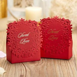 Wedding Sweet Gift Favour Box Canada - 50Pcs lot Red colors Luxury Candy Boxes Laser Cut Sweet Boxes for Wedding Wedding Party Favour Box Party Gift Box
