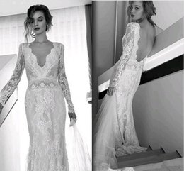 Bohème Élégant Pas Cher-Elegant Full Lace à manches longues Robes de mariée de plage de Bohemian Sexy V Neck Sweep Train Robes de mariée Custom Made Open Back 2017 Hot Sale