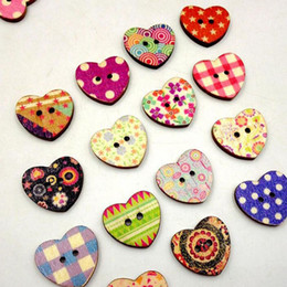 """$enCountryForm.capitalKeyWord Canada - Mixed Colors Heart Printed Pattern Wood Sewing Buttons 2 Holes Wooden Scrapbook Craft Making 25x22mm(1""""x 7 8"""") ZA1881"""