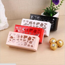 Disposable cupcake containers online shopping - Hollow Macaron Box Cupcake Container Valentine Chocolate Packing Wedding Baking Package Macaron Packing Paper Cake Boxes cm