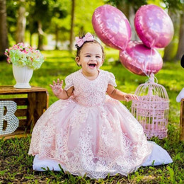 Robes De Mariée Royale Robe De Bal Pas Cher-Adorable Pink Ball Gown Flower Girls Robes Pour Dentelle De Mariage Appliques Robes D'Anniversaire Beaded Floor Length Tulle First Communion Dress