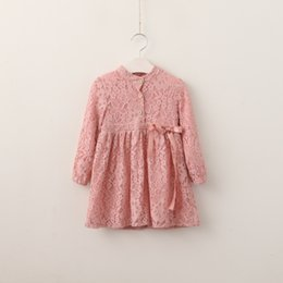 Robes Pour Filles Pas Cher-Baby Girls Crochet Lace Robes Kids Girls Princess Bow Robe Girl Hallow out Party Dress 2017 Bébés Vêtements d'automne