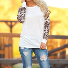 Barato Pontos Leopardo Camisas-S-3XL New Fashion Casual Style Women Loose T-Shirt Outono Inverno Mulheres Leopard Stitching O-Neck Long Sleeve Tops T-Shirt Mulheres Vestuário