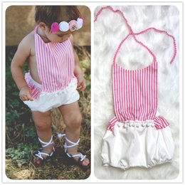 Barato Bebê Meia Quente-Baby Clothes Clear Stocks Hot Kids Girl Striped Strap Romper Fake 2 Piece Toddler Jumpsuit Infant Clothing Set Filing Fashion Cotton Top Set