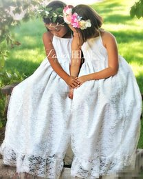 Robe Maxi Orange Pas Cher-White Maxi Lace Country Wedding Flower Girls Robes Halter Neck Andar Longueur 2017 Bohemia Cheap Princess Baby Holy First Communion Robes