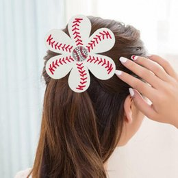 Barato Bainhas De Softball-Softball Baseball Headband Leather Woven Barrettes Hair Claws Hairbands Braceletes Baseball Hairbow Hair Jóias Presentes de aniversário OOA1938