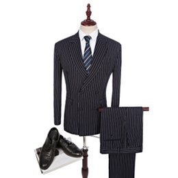 Smokings À Revers Double À Bretelles Pas Cher-Les plus récents designs Coat Pant Designs Notch Lapel Groom Tuxedo Double Breasted Stripe Dark Blue Costumes pour hommes Wedding Best Man Blazer Jacket + Pantalon