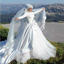 Wholesale Vintage Long Sleeves Ball Gown Islamic Wedding Dress Puffy With Hijab Arab Muslim Women Bridal Gown Plus Size