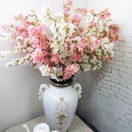 Fiori di ciliegio giapponesi di alta qualità Fiore di seta artificiale Home hotel mall decorazione di nozze fiori Foto puntelli in studio