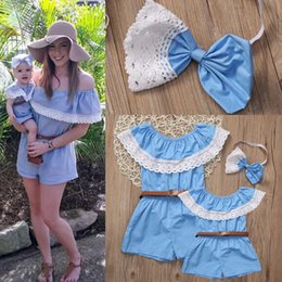 Maillot De Dentelle À Vendre Pas Cher-Mère et fille Vêtements Ménage familial Mommy Mom Matching Jumpsuit Mode Dentelle Vêtements d'été Bébé Romper Hot Sale