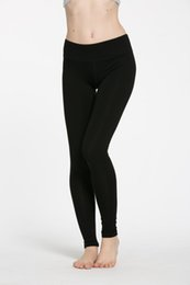 Venta al por mayor de 2017 moda mujeres sexy trajes de yoga leggings elásticos pantalones spandex espesar material ropa corriendo Dropshipping ok