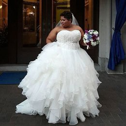 Robes De Mariée En Orgue Organza Pas Cher-Custom Made Plus Size Robe de mariée Appliques en dentelle Top Sweetheart Sans manches Puffy Tiered Jupes Robes de mariée Corset Lace-up Retour