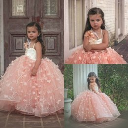 Robe De Robe De Plumes Pas Cher-Blush 3D Floral Appliques Robes en feather Flower Girl Robe en billes en perle Tulle Vintage Girls Pageant Gowns