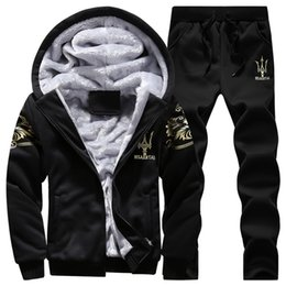 Barato Ternos De Suor De Veludo-Wholesale-Tracksuit Homens Sport Joggers Jogging Track Suit Thick Velvet Hoodies Winter Man Sweat Coat Set Sudaderas Hombre 2016