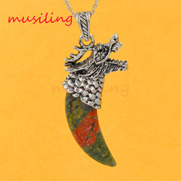 China Dragon Head Tooth-shape Pendants Necklace Chain Natural Gem Stone Pendant Amethyst Malachite etc Vintage Charms Jewelry Chakra Amulet suppliers