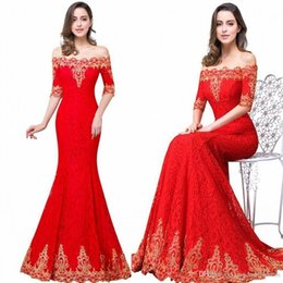 Barato Vestidos De Renda Sexy-2017 New Red Long Mermaid Bridesmaid Prom Dresses Elegante Off The Shoulder com Gold Appliques Lace Up Long Sexy Evening Gowns CPS487