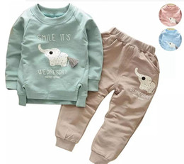 Barato Terno Do Menino Para Esportes-INS Cartoon Animal Pattern Elephant Kids Suits Primavera Outono Sports Sweatshirt + Casual Pants 2pcs Boys Girls Vestuário Set Children Sets