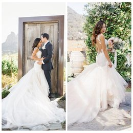 Barato Trilhos De Casamento Vogue-2017 Vogue Lace Mermaid Vestidos de casamento Vestido De Noiva Sweetheart Lace Appliqued Backless Vestidos de noiva See Through Back Tulle Chapel Train