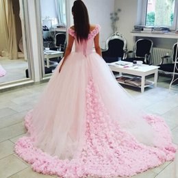 Robe De Bal Romantique Pas Cher-Romantic Beach A-ligne Robe de mariée Robe de bal Tulle rose Off the Shoulder Exquisite 3D Flowers Coset Robes de mariée Court Train Custom Made