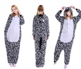 2016 Adulto Dos Desenhos Animados Lindo Zebra Canguru Pijamas Cosplay  Onesie Com Capuz Sleepsuit Kigurumi Macacão e05c01fcefc4