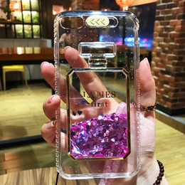 Botellas De Perfume Bling Baratos-LED Flash Perfume Bottle Liquid Quicksand Funda para iPhone 8 7 6s Plus Bling Glitter suave contraportada