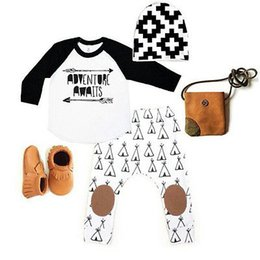 Vêtements De Naissance En Gros Pas Cher-Grossiste - 3 PCS Automne Printemps Nouveau-né Kids Kids lettres longues lettres de la manche Set Baby Boys Girls Outfits vêtements T-shirt Tops + pantalon 3pcs Set