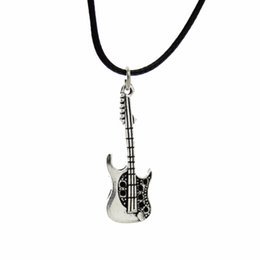 "free necklaces UK - Wholesale-[$5 Minimum] 2015 New Hot Fashion Jewelry Vintage Silver Guitar Pendant 17"" Necklace DY68 Women Gift Wholesale Free Shipping"
