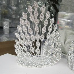 Big Wedding Hair Canada - New Women Wedding Hair Jewelry Big European Vintage Large Crown Tiaras Headpieces Luxury Bridal Hair Accessories Rhinestone Crystal Crowns