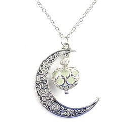 glow pendants Australia - Glowing In The Dark Pendant Necklaces Silver Chain Necklaces Hollow Moon Heart Choker Necklace Collares Statement Jewelry Christmas Gift
