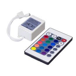 migliore qualità 12 v RGB 24 tasti del telecomando box 72 W 3528 5050 led light controller strip 24 tasti RC 5 M controller + DC maschio plug spedizione shipin in Offerta