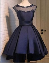 Barato Corset Frisado Manga Prom Vestidos-Sexy Navy Blue Satin High Low Homecoming Vestidos 2017 com Cap Sleeve Beateau Neck Beaded Lace Applique Corset Prom Party Vestidos
