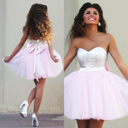 2017 New Pink Brevi Prom Dresses Sweetheart Top Paillettes Tulle Light Pink Abiti  da cocktail Back Bow Abiti da festa eleganti Hots 3f31276ad48