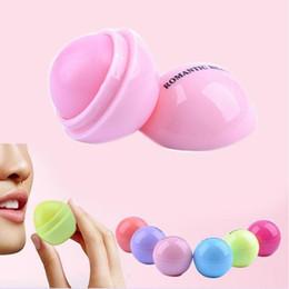 $enCountryForm.capitalKeyWord NZ - 500pcs DHL Ball Lip Balm Lipstick Lip Protector Sweet Taste Embellish Lip Ball Makeup Lipstick Gloss Cosmetic Accessories
