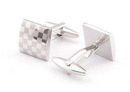 Luxus-Silber-Manschettenknöpfe mit Laser-Muster-Hemd Manschettenknopf für Männer Neue Marken-Quadrat-Hochzeits-Manschettenknöpfe Geschenk für Vatertag