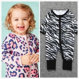 Infant Leopard Print NZ - Baby Long Sleeve Sleepwear Bodysuits Rompers For 0-3T Autumn Fall Winter Infants Toddlers Cotton Zip Leopard Print Pajamas Jumpsuits Onesies